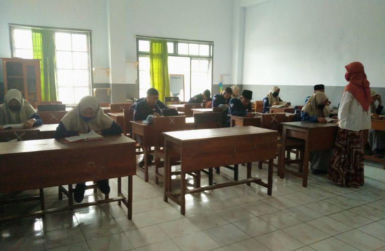 Mengaji Sebagai Implementasi Literasi Religi